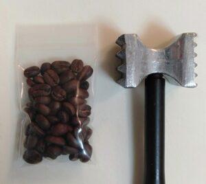 コーヒー 豆 ミルがない/ハンマー